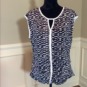 Vince Camuto XL Patterned Sleeveless Ruched Blouse